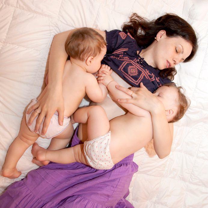 lactancia materna mellizos, gemelos, trillizos